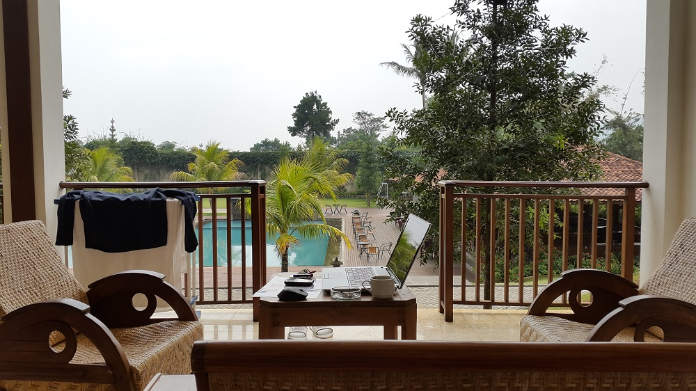 Jimmers Resort Mountain room Executive. View langsung ke kolam renang.