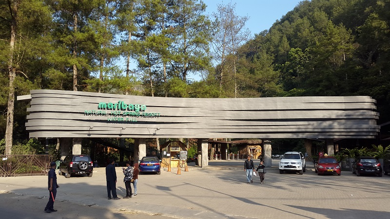 Maribaya Natual Hot Spring Resort Waterfall