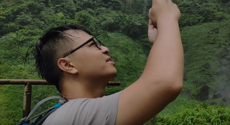 When Vietnamese Guy Trying To Be a Local Person Curug Cileat